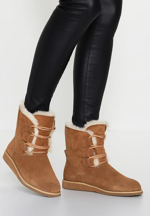 Emu illowang boot laced boot - Lovely